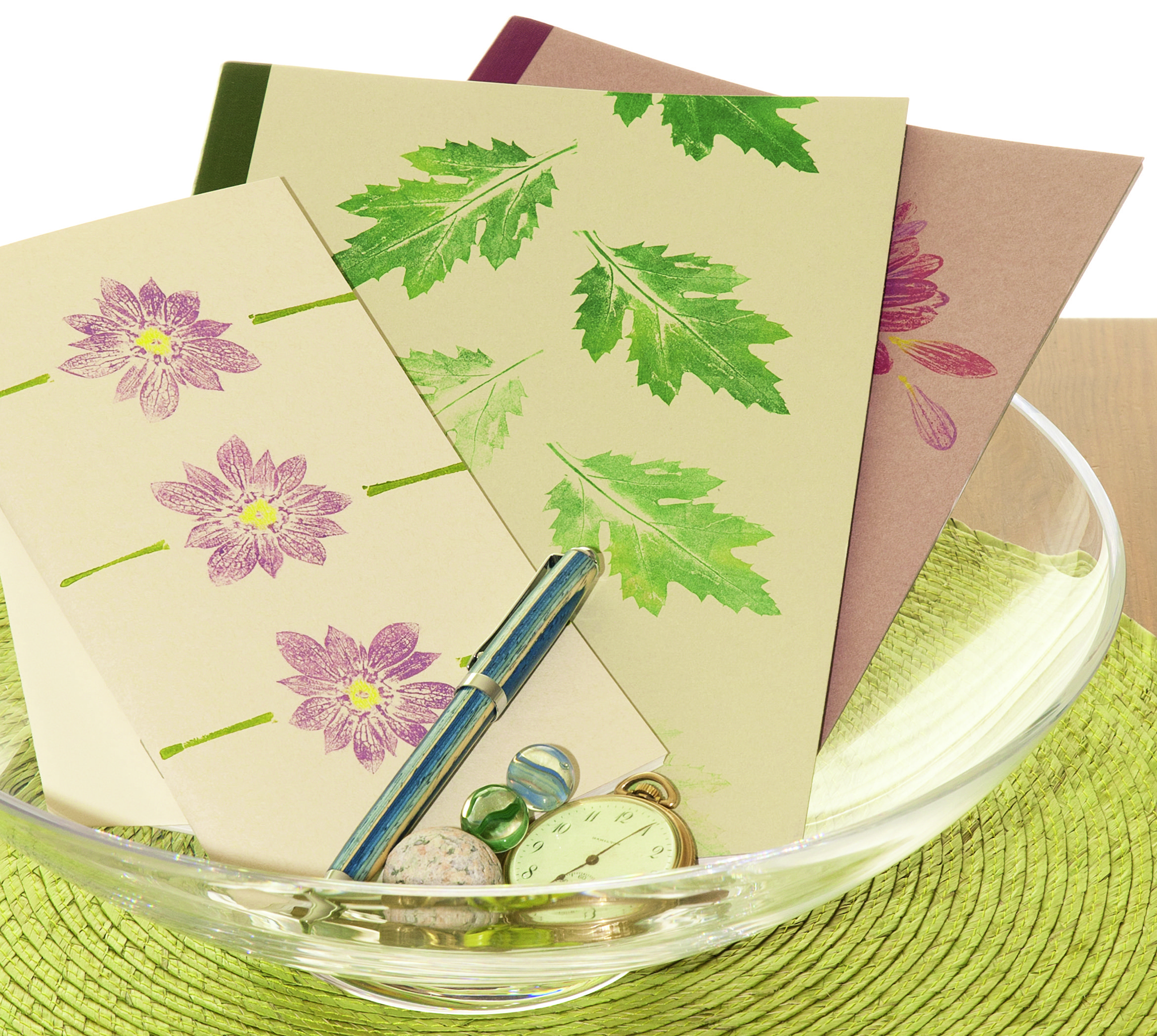 69_ Notebooks, ink, nature prints of flowers and leaves on paper - (c) Laura Donnelly Bethmann