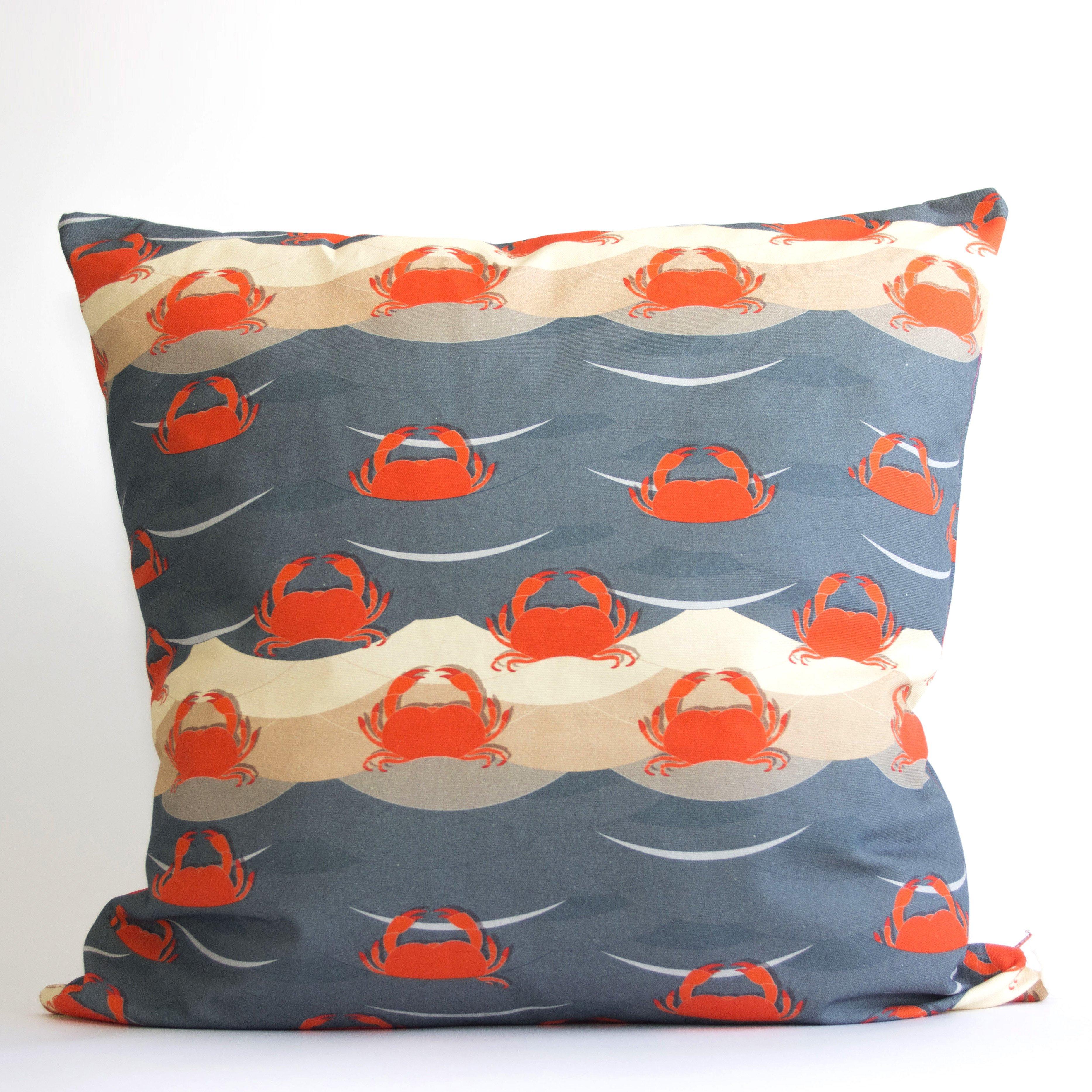 Crab pillow01