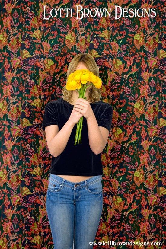 lotti_brown_designer_wallpaper_poppy_floral_dark_blue